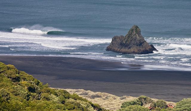Karekare Surf Breaks | Surfing New Zealand