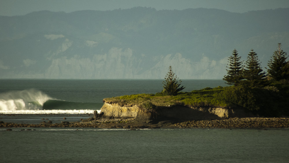 Surfing New Zealand | the island gizzy