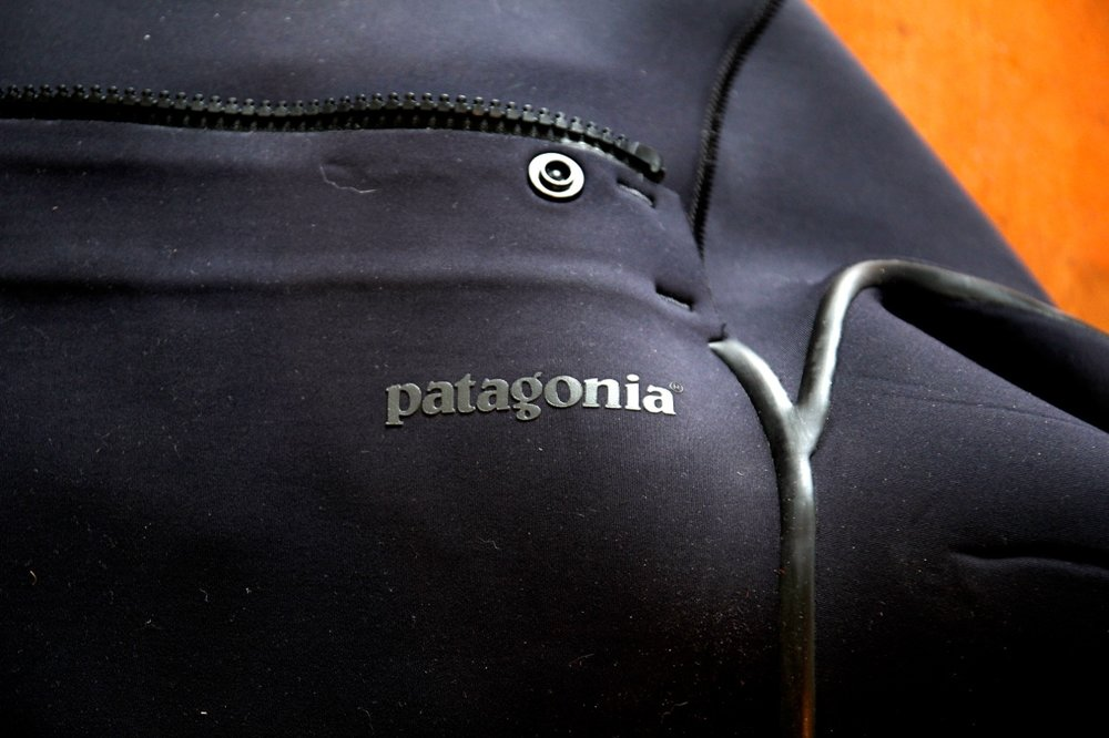 Patagonia-R2-2013-model-Wetsuit-Review-Bennys-Boardroom-Surfboard-Reviews-CompareSurfboards.com3_.jpg