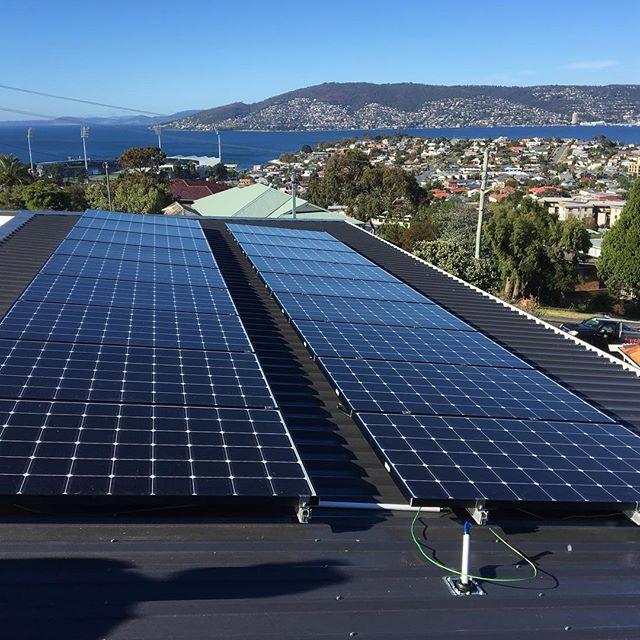 The creme de la creme of solar panels sitting pretty & soaking up rays ☀️#lgneon2