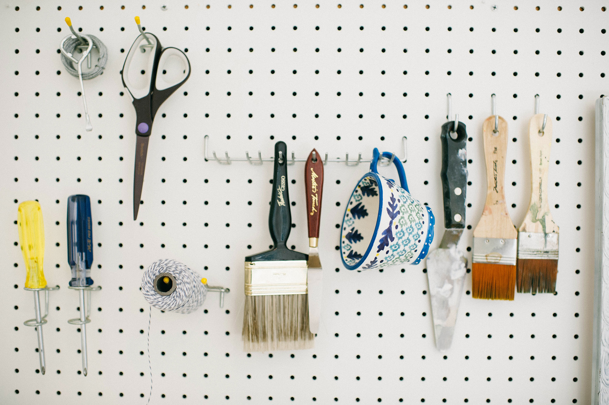 Createspaces #12: A look at where Kate Jury's vibrant masterpieces are made | Crafted by Pam