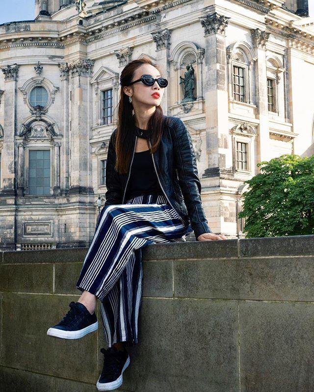 🏰⠀⠀⠀⠀⠀⠀⠀⠀⠀ ⠀⠀⠀⠀⠀⠀⠀⠀⠀ 📸 by @neightrageous⠀⠀⠀⠀⠀⠀⠀⠀⠀⠀⠀⠀⠀⠀⠀⠀⠀⠀ #singer #songwriter #musician #styleguide #fashionforward #newrelease #singersongwriter #indiefolk #stylish #berliner #instastyle #indiemusic #styleinspiration #lookoftheday #outfitoftheday #fashiongram #ootd #instafashion #BeUltraBright⠀⠀