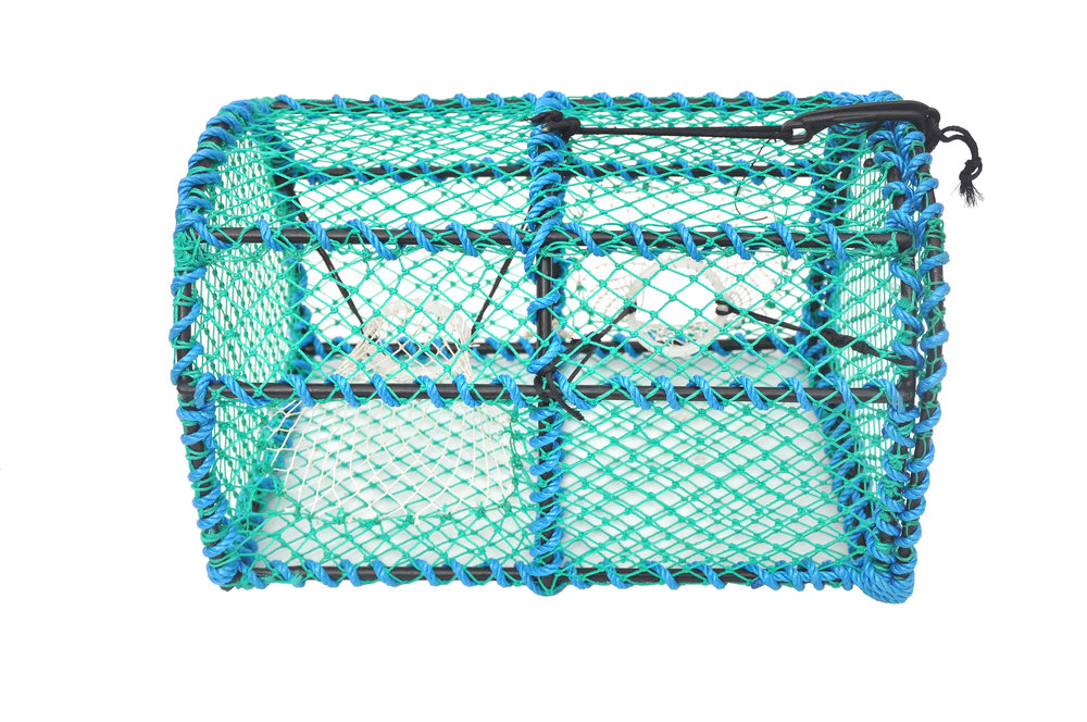 Although lightweight, even these creels can stand the test of time due to the frames being galvanised and plastic coated. With a large run to the hard eye entrance, the catch can easily find its way into the pot.