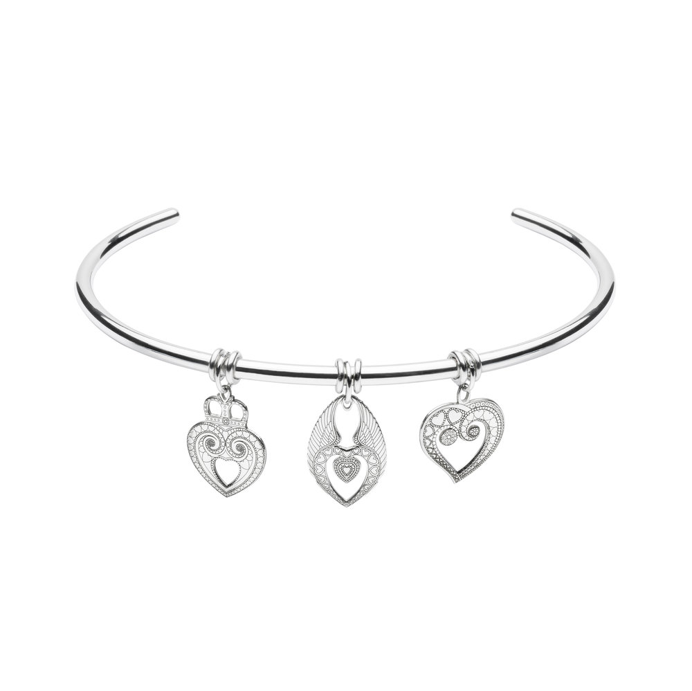 HEARTS THEME<br>TRIPLE CHARM CHOKER<br>£295.00