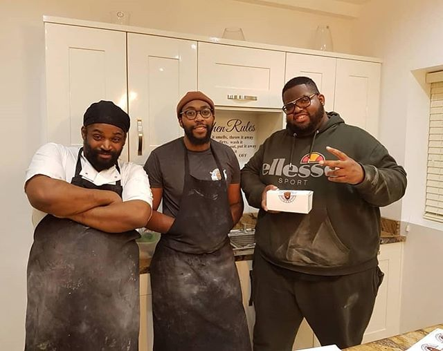 TBT!! DREAM TEAM!!! Nearly a year ago when we done our first pop up in Topshop in Oxford street putting in a mad shift 🤣 tripletwocoffee 📍33 George street Croydon📍 Monday-sunday  And you can place orders online at berightbake.com • • #london #londonfood #southlondon #southlondonfood #snow  #food #foodie #foodporn #donuts #doughnuts #berightbake #brb #2019 #goal #weddings #events #birthday #brownies #coffee #gym #bulk #dirtygains #cheatmeal #coffeeshop  #cro #croydonstreetart #vday #love #valentinesdaygift #valentinesday2019