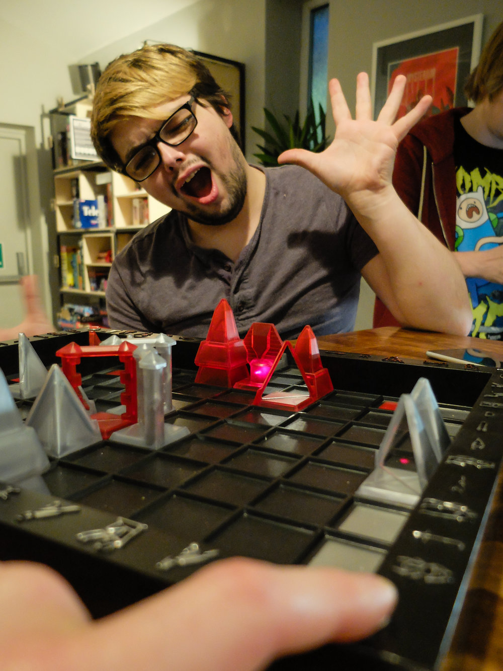 The plastic extravaganza that is Khet (and Patrick, losing dramatically)
