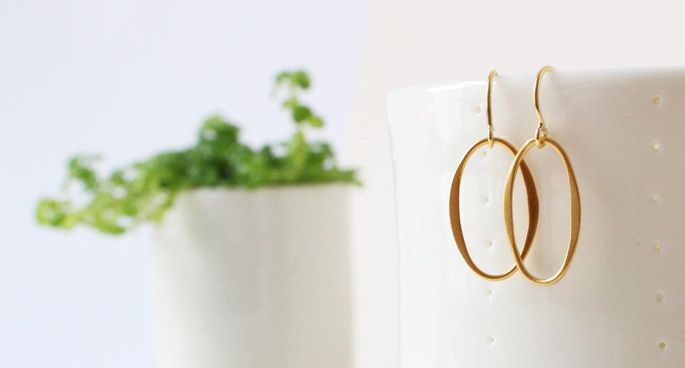 rikkeline-jewellery-gold-oval-earings.jpg