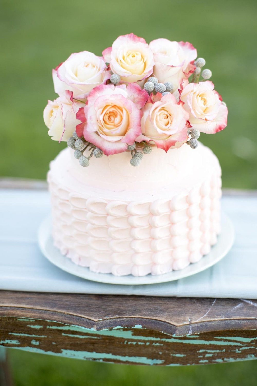 roses wedding cake.jpg