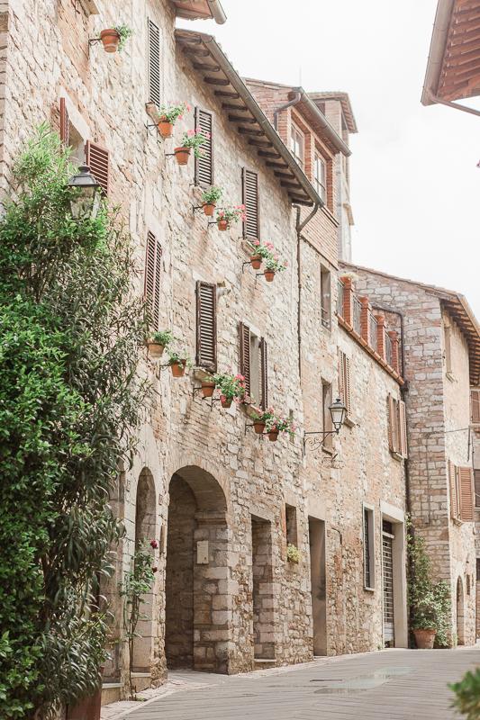 Destination wedding Italy corciano - umbria -9.jpg