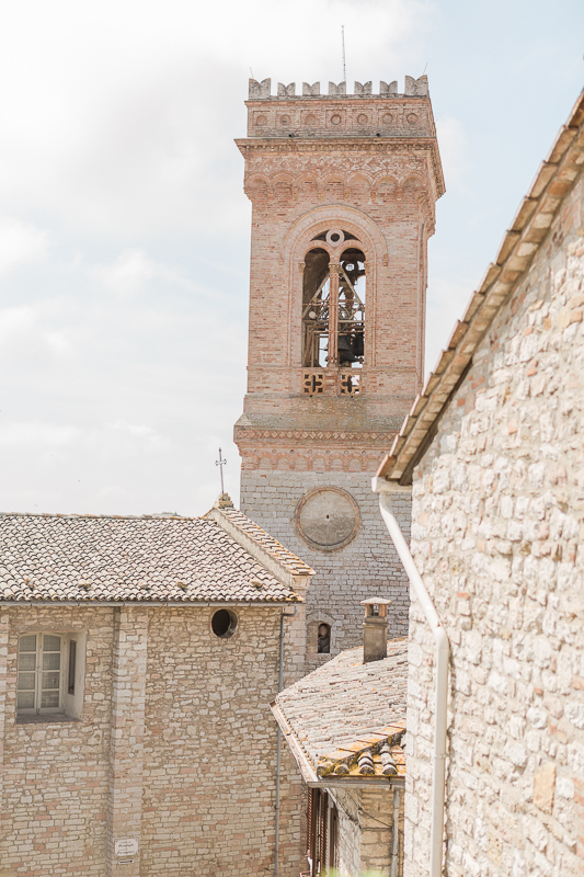 Destination wedding Italy corciano - umbria -22.jpg