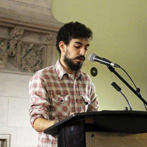 - Les poèmes de Bardia Sinaee ont été publiés dans de nombreux magazines partout au Canada. Il vit à Toronto.