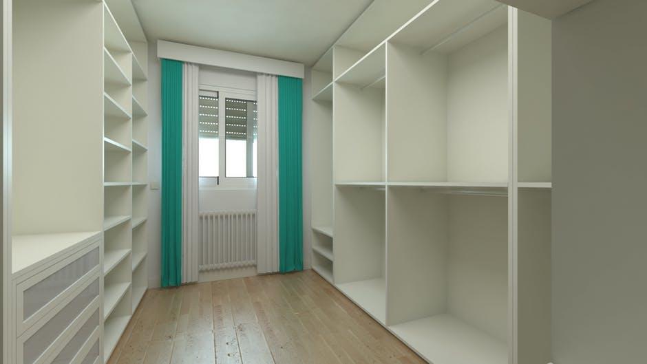 Have you ever seen such an empty wardrobe? Cue dramatic music *dun dun dun*