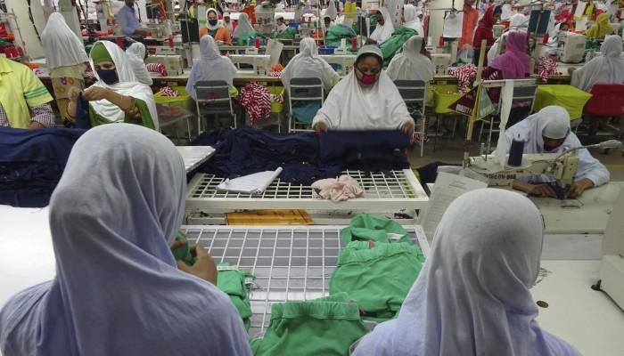 red-door-news-14jan16-fe-clothes-0007-viyellatex-factory-making-m_s-cl_copy.jpg