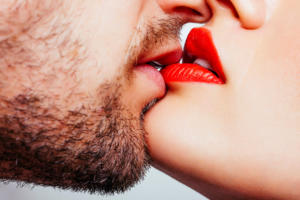 red lips kiss.jpg