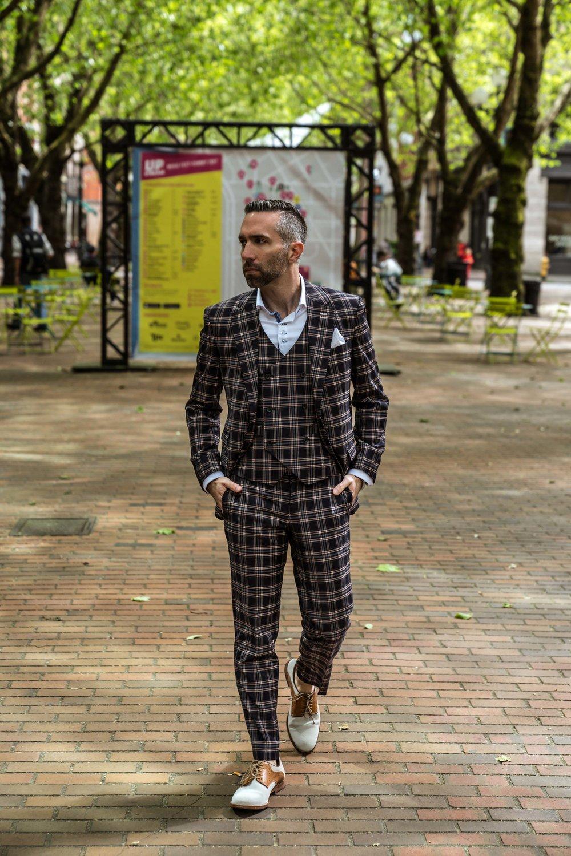 Men's Tailor Made 2-Piece Plaid Suit