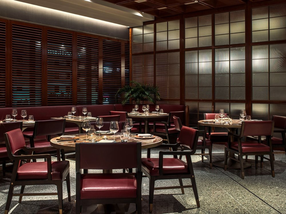 Smart casual - Located in the Gangnam area hotel underground, this restaurant is a good place of business meeting or you need a place for a talk, family friendly as well. It is not exceedingly romantic though.