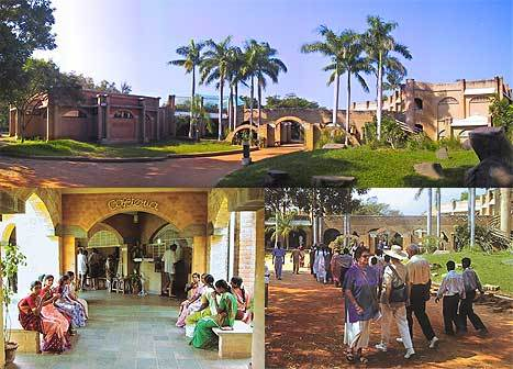 auroville-visitors_center.jpg