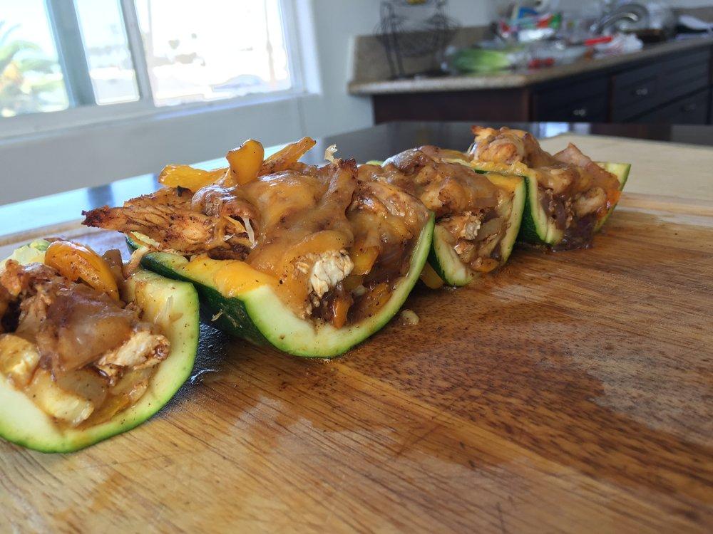 chicken-fajita-zucchini-boats