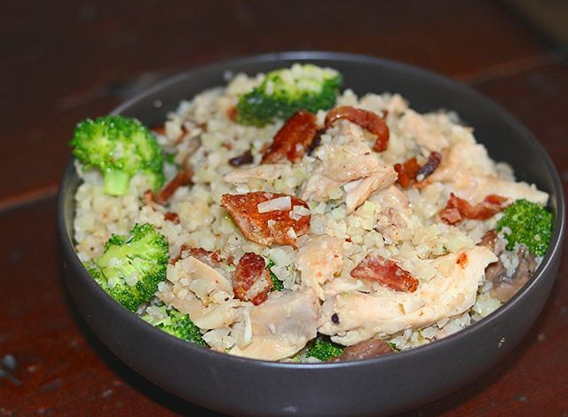 Quick and easy meal prep-able lunch... Chicken, bacon, broccoli and mushroom sautéed in butter and garlic with cauliflower rice! ___________________ 🥓🥓🥓🥓🥓🥓🥓🥓🥓🥓🥓🥓🥓🥓🥓🥓🥓 To avoid soggy cauliflower rice be sure to pre cook and remove the moisture! This can be done quickly with 5-7 minutes in a microwave or if you prefer 15-20 minutes in the oven dry with no added moisture. Then add it to your recipe at the end! #mealprep #ketomeals #thefatbody . . . . . . . . . #keto #ketogenicdiet #lchf #ketogenic #ketorecipes  #lowcarb #lowcarbhighfat #loseweight #dietfood #ketogoals #ketofam #lowcarblife #liveprimal #ketoweightloss #sugarfree #healthyeating #ketofam #ketocommunity #ketosis #ketorecipes #fatbody #ketogeniclifestyle #lowcarblifestyle