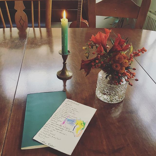 (Re)starting quiet morning rhythms with my journal and realising I've got some pretty thoughtful creative lovely friends. Thank you for the poem and Amalia's impressive art work ☺️ @rachelandyoga, flowers @judithchapman6436 and candle @hyggestyling 💚
