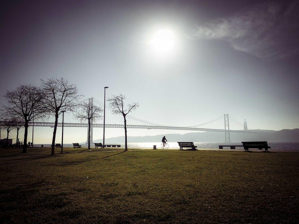 Dois passeios em Lisboa. Entre as Colinas, a Serra e o Tejo