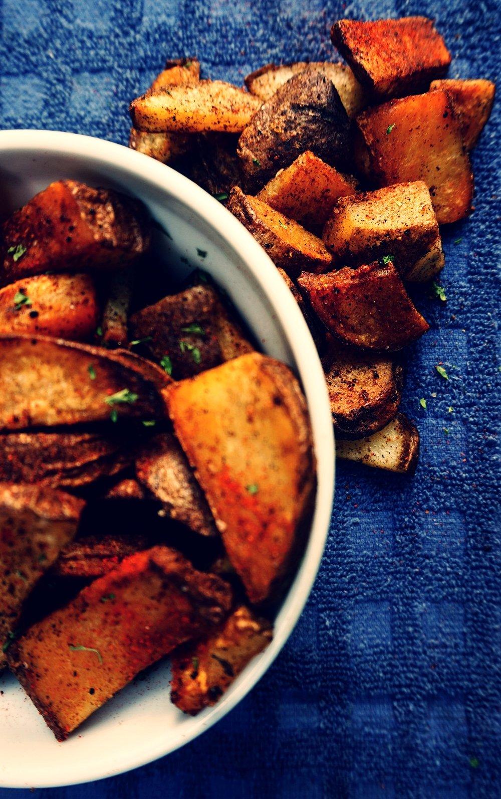 Crispy seasoned fried potatoes
