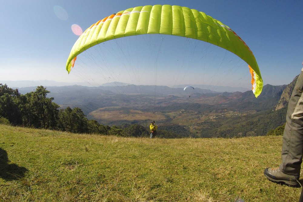 Paraglide-New-England-Trips-Valle-de-Bravo-Mexico-Gallery-Lyle-Launch.jpg