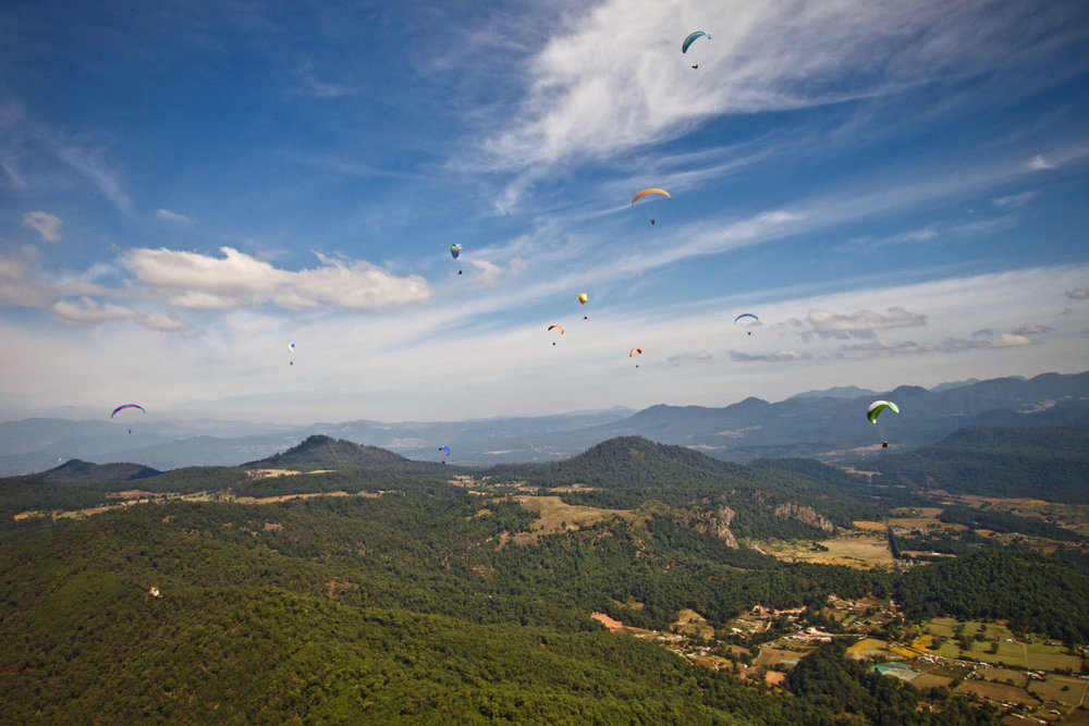 Paraglide-New-England-Trips-Valle-de-Bravo-Mexico-Gallery-Over-Launch.jpg