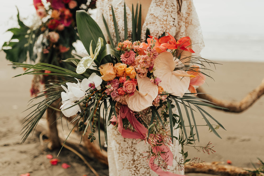 TROPICAL BEACH ELOPEMENT -