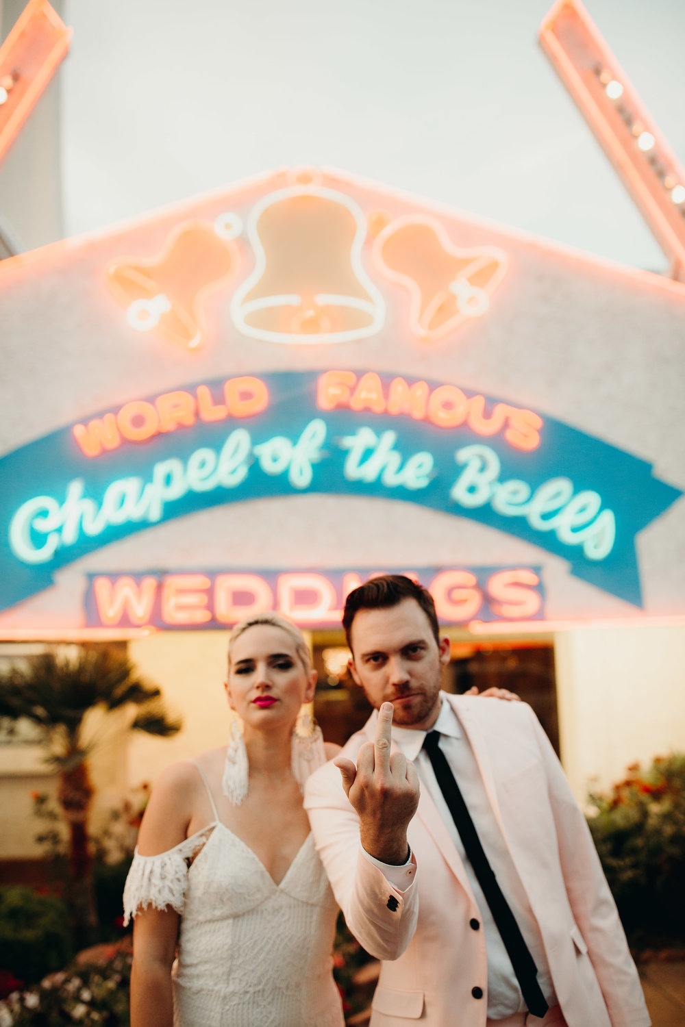 Iconic vegas wedding at Chapel of the Bells