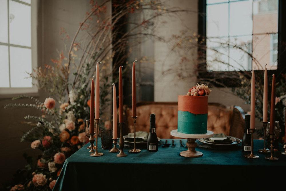 Florals: Colibri Blooms, Rentals: Wander Event Rentals, Cake: Sift & Gather, Linens: BBJ Linens