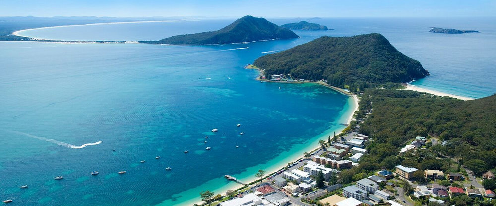 Pristine Port Stephens - Ramada Shoal Bay 2 nights accommodation and return airfares.Shoal Bay is an idyllic holiday haven overlooking picturesquescenes of white sandy shores, pristine sparkling waters andstunning natural parklands. Located just 30 minutes fromNewcastle Airport. Shoal Bay offers activities from fishing anddolphin watching trips to whale watching cruises (seasonal).Wine and dine on superb local seafood at Catch at Shoal Bayor enjoy casual alfresco dining at Sandyfoot Cafe and Bar,both located on-site.Packages include returns airfares with FlyPelican and 2 nightsin a 1 bedroom side WaterView, (Room upgrades available)at the Ramada at Shoal Bay, close to beaches, the TomareeHeadland, and Port Stephens. Ask us about amazing whalewatching or sand-dune tours as optional extras.ex Sydney $389 per person twin share (adult)ex Mudgee $399 per person twin share (adult)ex Ballina $399 per person twin share (adult)ex Dubbo $429 per person twin share (adult)ex Canberra $469 per person twin share (adult)★★★★☆