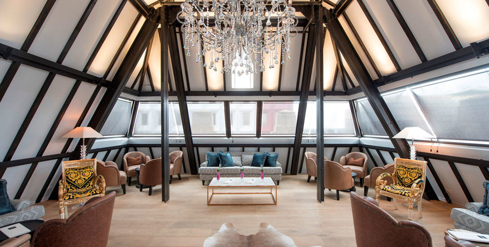 Mayfair Hotel Luxury - Mayfair Hotel 2 nights accommodation in a Superior Queen Room, return airfares.ex NewcastleStarting from $579* per person twin share★★★★★