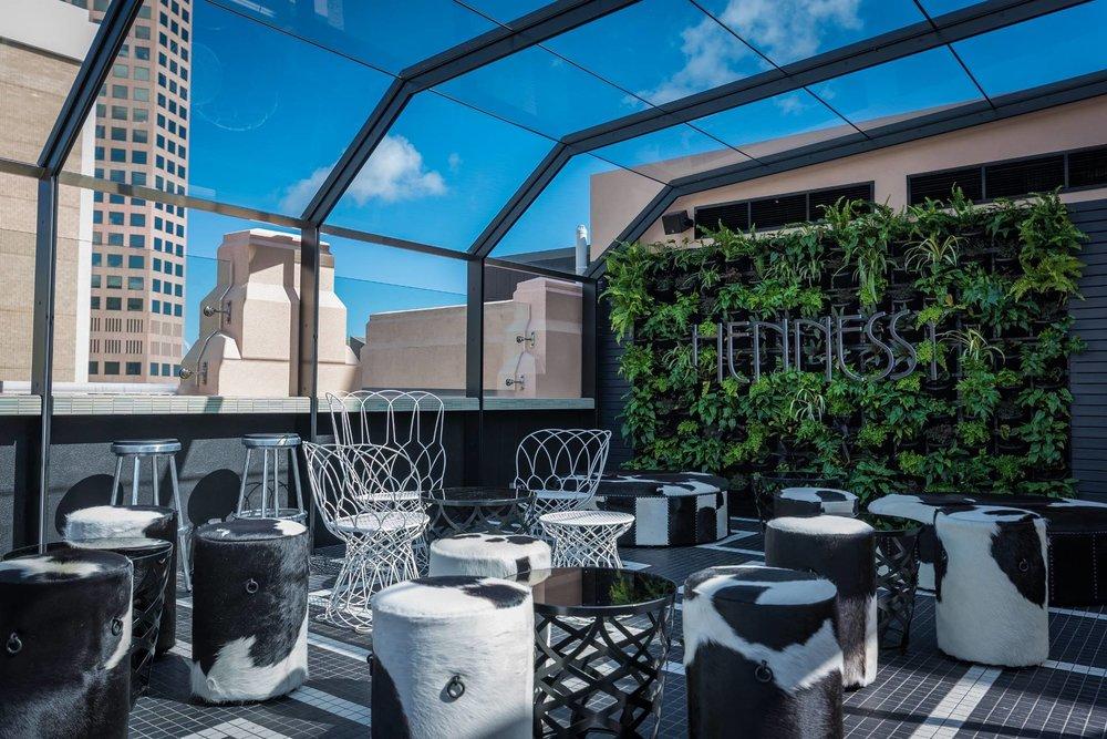 Mayfair Hotel - Hennessy Bar Champagne Terrace - Daylight 5LR-min.jpg