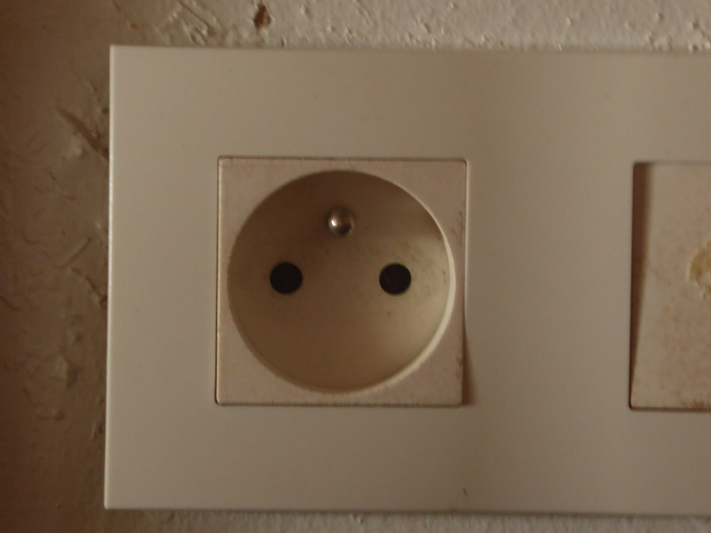 In case you don't know what a European plug looks like - here it is!