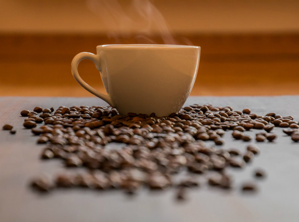 Coffee beans and mug, source: pixabay.com