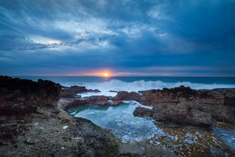 Coastline, sunrise, clouds; courtesy of  pixabay.com