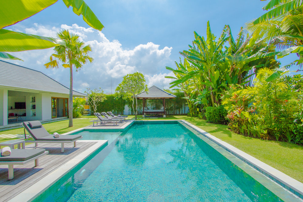 3 bedroom villa pool