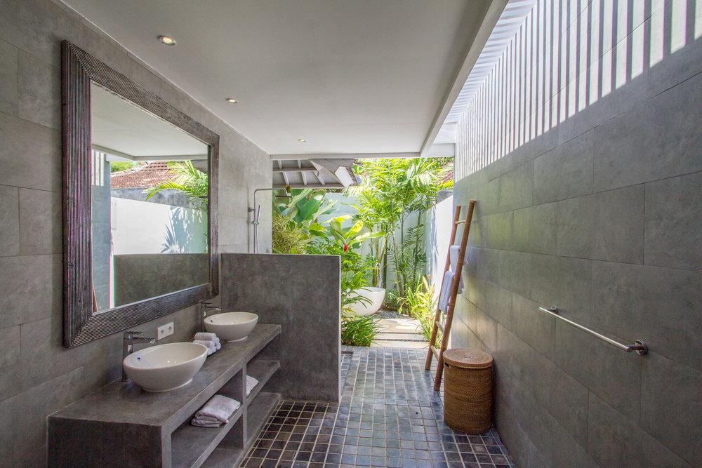 3 bedroom villa bathroom