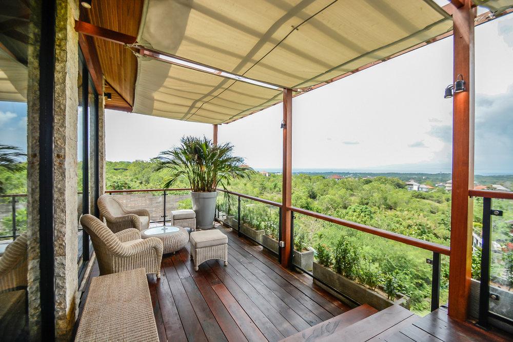 4 bedroom villa terrace with view