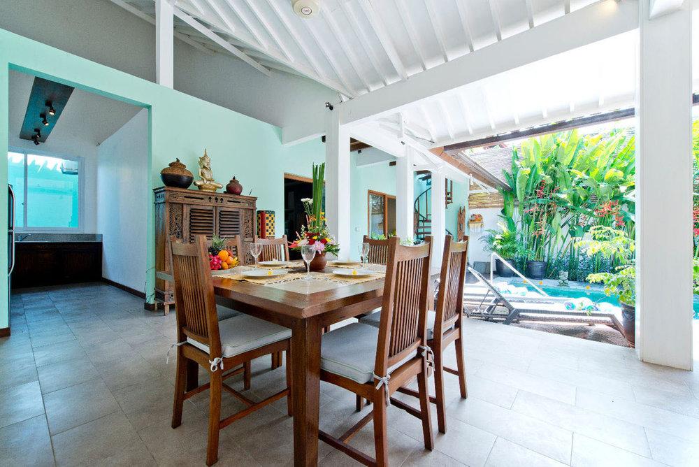 2 bedroom villa dining room