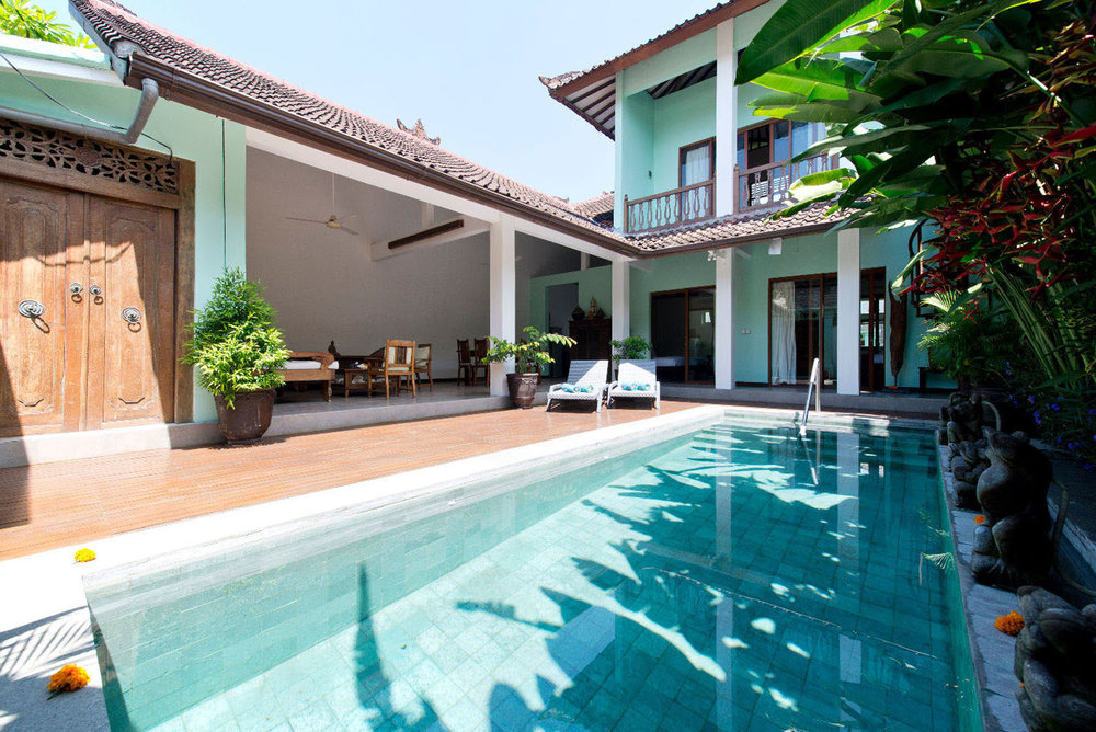 Authentic Balinese 2-bedroom villa located in a calm and safe area !