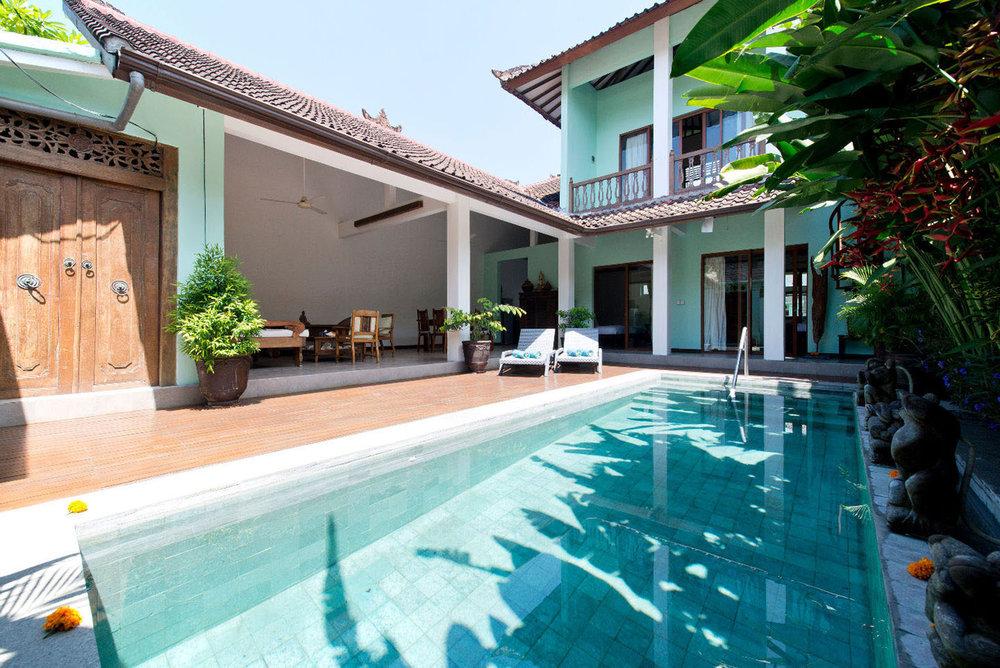 Authentique villa balinaise de 2 chambres située dans un quartier calme et sûr !