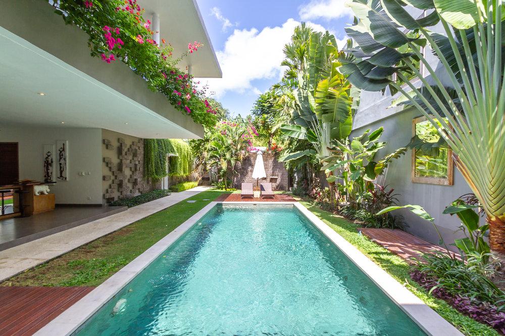 Villa Paloma Bali Seminyak 3bedrooms pool villa