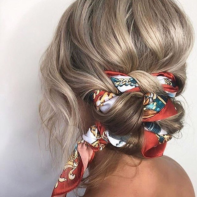Details 💛💛 @invitadaideal. Looking forward to to see the stories on this great hairstyle. #hairstyles #silk #summeroflove