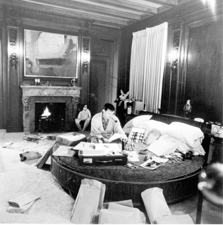 Hugh Heffner used his bedroom as his working space.
