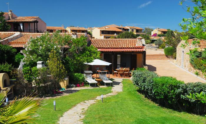 Residence Il Borgo Via Sebastiano Satta, 2 Loc. Porto Pollo - 07020 Palau (OT) Tel: +39.0789.705001 E-mail: borgoportopollo@ticino.it Web: www.sunsardinia.com