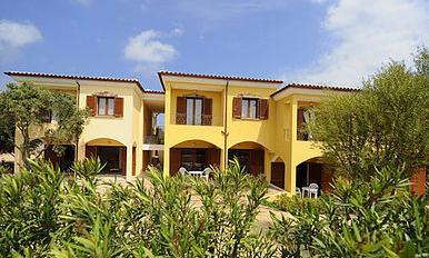 Residence L'Isola Surfhouse Via G. Asproni Loc. Porto Pollo - 07020 Palau (OT) Cell. +39.338.6475202 Fax: +39.0789.709757 E-mail:info@residenceisola.it Web:www.residenceisola.it