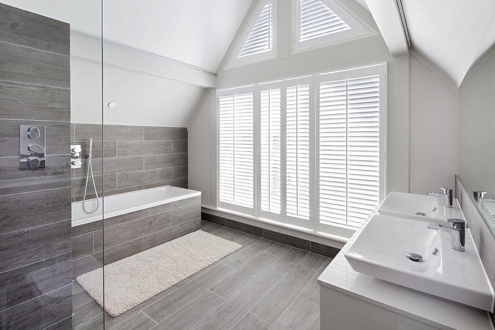 Bathroom at Hernes Crescent.jpg