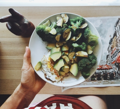 Greens + Proteins + Healthy Fats galore.